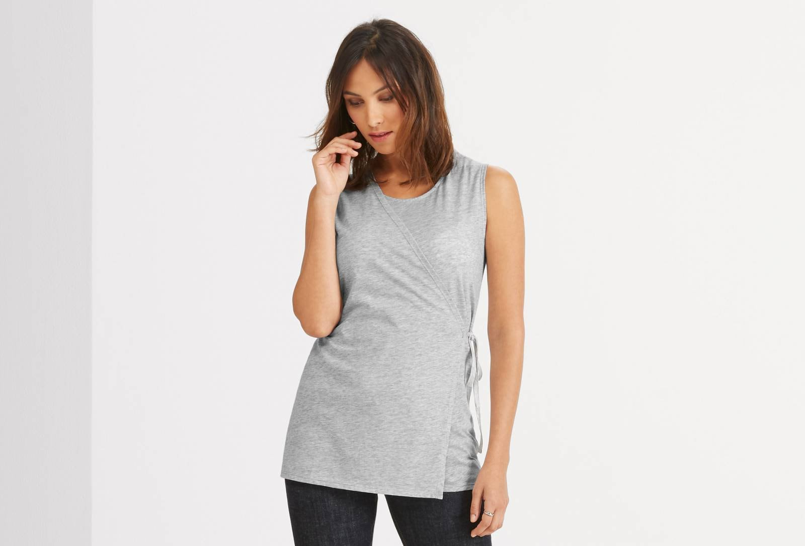 STRIE SLEEVELESS WRAP